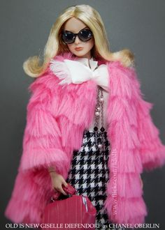 https://flic.kr/p/BgY2MM | Chanel Oberlin Realness | Old Is New Giselle Diefendorf is channelling Chanel Oberlin, Emma Roberts character at Scream Queens.  She's wearing: .- Groovy 60's Barbie coat .- Walking Suit Barbie BFMC blouse & skirt .- Bouclé Beauty Barbie BFMC sunglasses & necklace .- Prestige Natalia Fatalé bag
