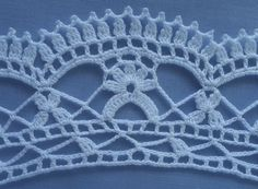 Curved Crochet Edging - Not Exactly a Pattern but close up photos and some guidelines.