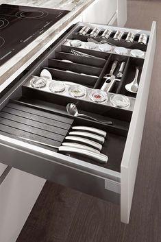 Praktyczne szuflady kuchenne