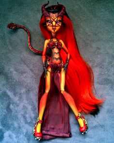 """Lilith"" custom OOAK monster high hybrid Gilda Goldstag and Jinafire Long repaint by @LadySpoonArt"