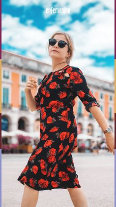 7 Beautiful Fashion Models Walking Woman Wearing Red And White Floral Half-sleeved Dress Near The Building During Daytime Black Plaid Shirt, Black And White Shirt, Green Floral Dress, Stylish Dresses, Stylish Outfits, Half Sleeve Dresses, Sleeved Dress, Fashion Design Jobs, Necklaces