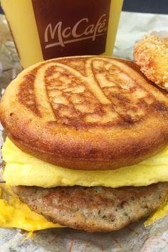 The 1 McDonald's Breakfast Item You'll Be Excited to Get All Day Mcdonalds Breakfast, Breakfast Menu, Breakfast Items, Breakfast Recipes, Popsugar Food, Fat Foods, Food Platters, Food Goals, Aesthetic Food