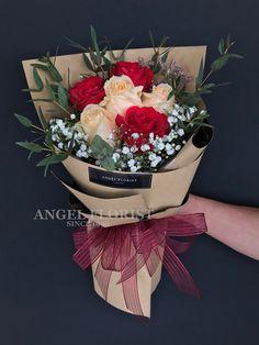 AH14 - RM 170 Rose Bouquet #FloristShop #FlowerShop #KedaiBunga #小天使花屋 #AngelFloristGiftCentre #新山花店 #花店 07-3546142 #Wechat #WhatsApp 010-6608200 Bouquet Wrap, Hand Bouquet, Diy Bouquet, Rose Bouquet, Luxury Flowers, Exotic Flowers, Beautiful Flowers, Flower Shop Decor, Flower Decorations
