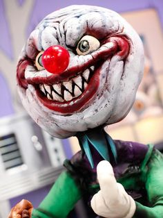 halloween wars season 5 host