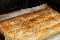 פשטידת בורקס וגבינות Kashkaval Cheese, Bread Recipes, Baking Recipes, Phyllo Dough, Good Food, Yummy Food, Savoury Baking, Cooking Gadgets, Cake Cookies