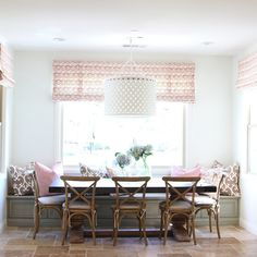 Feast your eyes on this kitchen nook transformed into an inviting sunny spot with a cool coastal vibe. Designed by Becki Owens, this dining area is heavy on the style and easy on the color. A mix of fun patterns and airy hues that make for the kind of nook we could spend hours in. It's perfection […]