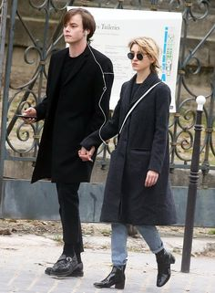 Stranger Things' Charlie Heaton, Natalia Dyer Hold Hands in Paris: Pics