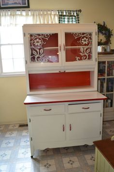 Old cabinet Styles - Vinage scheirich hoosierstyle cabinet Vintage Kitchen Cabinets, Old Cabinets, Kitchen Cabinet Design, Kitchen Dresser, Green Cabinets, Cupboards, Recycled Furniture, Vintage Furniture, Modern Furniture
