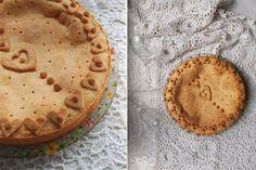 Баскский пирог с яблоками и изюмом