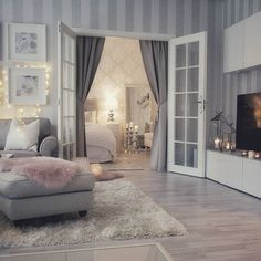 Everyday Solutions For Any Home Based Business My Living Room, Home Interior, Interior Design Living Room, Home And Living, Living Room Decor, Living Spaces, Bedroom Decor, Awesome Bedrooms, Home Decor Furniture