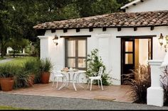 Spanish Bungalow, Spanish Style Homes, Spanish House, Spanish Colonial, Village House Design, Village Houses, Tuscan Style Homes, Hacienda Style, Mediterranean Home Decor