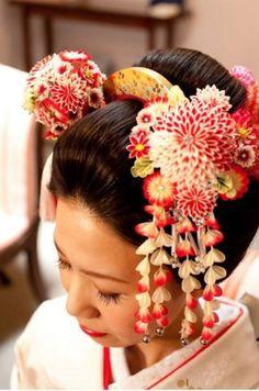 ツヤ感のある黒髪が映える日本伝統的な美♡和装結婚式で参考にしたい花嫁かんざしまとめ♡真似したいウェディング・ブライダルアイデア♡
