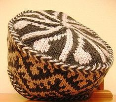 Toque by Anna Zilboorg 45 Fine & Fanciful Hats to Knit Intarsia Patterns, Crochet Toys Patterns, Stuffed Toys Patterns, Knitting Patterns, Tapestry Crochet, Knit Crochet, Crochet Hats, Fair Isle Knitting, Bandeau