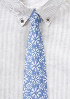 Hellblaue Baumwoll-Krawatte mit blumigem Druck