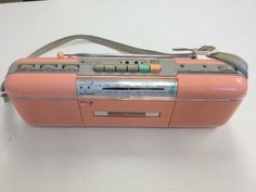 Wanting a boombox that looked like this: 45 Pictures That Look Just Like Anyone Between The Ages Of Childhood Kickin It Old School, 90s Nostalgia, 80s Kids, Vintage Love, Vintage Stuff, My Childhood Memories, Boombox, Girls Dream, The Good Old Days