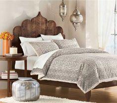 43 Comfortable Moroccan Bedroom Design Ideas For Amazing Home Small Master Bedroom, Home Bedroom, Bedroom Furniture, Magical Bedroom, Bedroom Suites, Modern Bedroom, Bedroom Wall, Furniture Decor, Design Marocain