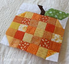 farm-girl-patchwork-pumpkin-copy - The Crafty Quilter Mug Rug Patterns, Quilt Block Patterns, Quilt Blocks, Quilting Projects, Quilting Designs, Fall Sewing Projects, Homemade Quilts, Halloween Quilts, Halloween Fabric