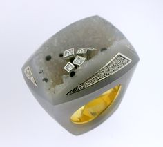 RING AGATE: yellow and white gold, 32 diamonds 0,45 ct., 5 princess diamonds 0,25 ct. 16OS0005