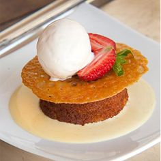 Karoo chef Tronette Dippenaar serves up dollops of country food and hospitality at the historic Matjiesfontein. Try her moreish Malva Pudding. Malva Pudding, Pudding Cake, Pudding Recipes, Cake Recipes, Brandy Snaps, South African Recipes, Golden Syrup, Recipe Collection, Tray Bakes