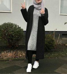 How to layering with hijab - hijab outfit Modern Hijab Fashion, Street Hijab Fashion, Hijab Fashion Inspiration, Islamic Fashion, Muslim Fashion, Mode Inspiration, Modest Fashion, Look Fashion, Fashion 2020