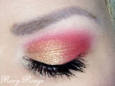 Golden-pink eyeshadow