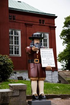 What to do in Karlskrona for one day? Click here for a good walking tour itinerary!