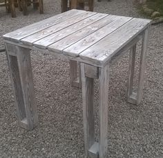 DIY Pallet Reclaimed White Washed Tables | 99 Pallets