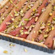 Rabarbertaart met pistachenootjes - Dille & Kamille | Moederdag: 8 mei