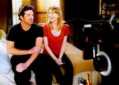 grey's anatomy on set. patrick dempsey and ellen pompeo Greys Anatomy Spoilers, Greys Anatomy Derek, Greys Anatomy Funny, Greys Anatomy Cast, Grey Anatomy Quotes, Grey's Anatomy, Anatomy Images, Jackson Avery, Meredith And Derek