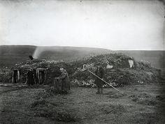 Ellisif Wessel 1900 Fellesgamme i Nesseby. Høytørk.1900