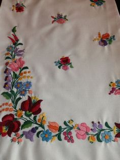 Items similar to Pillow handmade, embroidery,Hungarian Kalocsa. Hungarian Embroidery, Folk Embroidery, Learn Embroidery, Embroidery Suits Design, Hand Embroidery Designs, Embroidery Patterns, Chain Stitch Embroidery, Embroidery Stitches, Machine Embroidery