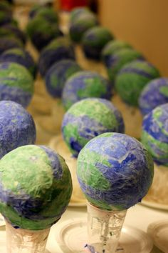 Awesome earth day paper mâché craft! Light up globe.