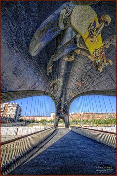 Puente sobre el Rio Manzanares Madrid Constelaciones Daniel canogar Vitrogres