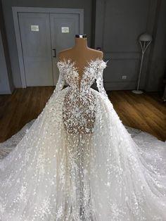 Extravagant Wedding Dresses, Cute Wedding Dress, Princess Wedding Dresses, Dream Wedding Dresses, Wedding Dress Bustle, Glam Dresses, Bridal Dresses, Stunning Dresses, Pretty Dresses