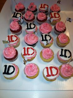 One Direction cupcakes www.facebook.com/cupcakeluv555 www.twitter.com/cupcakeluv5 www.instagram.com/cupcakeluv919 phila philadelphia philly