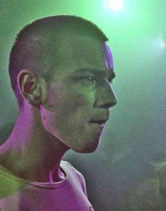 Find images and videos about ewan mcgregor, trainspotting and renton on We Heart It - the app to get lost in what you love. Trainspotting Ewan Mcgregor, Renton Trainspotting, Pier Paolo Pasolini, I Love Cinema, Star Wars, Choose Life, Film Aesthetic, Film Serie, Actors