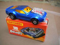 Piston Popper still looks like this. Custom Hot Wheels, Hot Wheels Cars, Old School Toys, Matchbox Art, E 7, Childhood Toys, Childhood Memories, Metal Toys, Classic Toys
