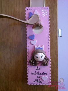 Cartel para puerta de habitación de niñas. Imagen de una princesa. *Contactar conmigo en: mispecosasdegomaeva@gmail.com*       *Visita mi blog: http://mispecosasdegomaeva.blogspot.com.es*
