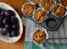 Muffins with Plums. Is there something better than muffins? Yes these beautiful yummy muffins with plums. Amazing Taste of Autumn! Dessert Recipes, Desserts, Plum, Food Porn, Sweets, Lunch, Meals, Dinner, Fruit