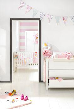 Creëer het Loft-gevoel in je baby's kamer met deze witte meubelen. Strak design en warme gezelligheid in 1!
