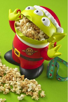 Tokyo Disneyland and Disney Sea's Popcorn Bucket Souvenirs! Disney Souvenirs, Disney Snacks, Disney Food, Disney Trips, Disney Gift, Tokyo Disney Sea, Tokyo Disney Resort, Walt Disney, Disneyland Food