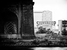 Silvercup Studios, Roosevelt Island for the Ed Koch Queensboro Bridge, Long Island City, New York Photographic Print by Philippe Hugonnard at AllPosters.com