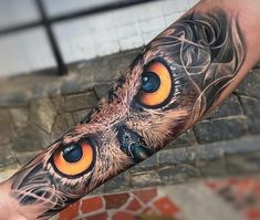 A compelling guide to color tattoos: the pros and cons of color tattoos, color tattoo styles and photo ideas. Tigeraugen Tattoo, Owl Forearm Tattoo, Owl Tattoo Chest, Owl Eye Tattoo, Owl Tattoo Small, Owl Tattoo Drawings, Snake Tattoo, Tattoo Blog, Bild Tattoos