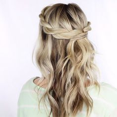 Photo | 9 Cool Girl Messy Hairstyles To Rock | Bustle