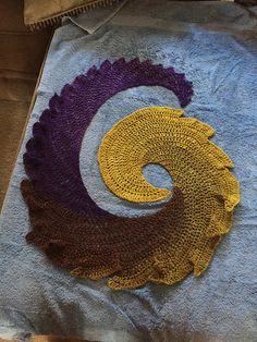 Ravelry: Project Gallery for Dragon Tail Neckerchief pattern by PurpleIguana Poncho Crochet, Crochet Diy, Crochet Shawls And Wraps, Form Crochet, Crochet Scarves, Crochet Motif, Crochet Clothes, Yarn Projects, Crochet Projects
