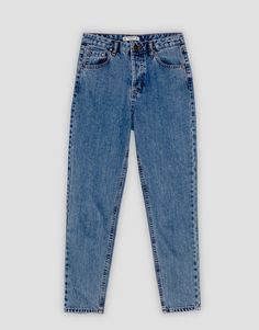 The most comfortable look with Autumn Winter 2017 mom fit jeans for women at PULL&BEAR. High waisted, cropped, ripped or skinny mom jeans. Jeans Fit, Denim Jeans, Classy Work Outfits, Cute Outfits, Cute Leather Jackets, Cute Sweatpants Outfit, Mom Jeans Style, Beste Jeans, Skinny Mom