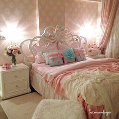İyi geceler #goodnight #my#bedroom#eleganceroom#elegancebedroom#shabby#shabbychic#shabbyhomes#home#homestyle#interior9508#interior#interiør#interior123#interior125#interior444#passion4interior#charminghomes#classyinterior#interior4you1#onetofollow#interior4all#hellinterior#interiormagazinet#lovelyinterior#housetohome#homeandcottage#style##decor#decoration#homestyle