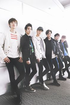 Uploaded by 𝐸𝒳𝒪 ️ϟ. Find images and videos about kpop, exo and baekhyun on We Heart It - the app to get lost in what you love. Sehun Oh, Chanyeol Baekhyun, Exo Kai, Park Chanyeol, Kokobop Exo, 2ne1, K Pop, Kim Jong Dae, Kim Minseok