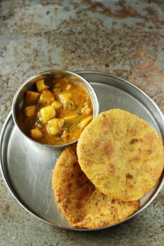 Merry Tummy: Aloo Tamatar Ki Subji For Puri Or Kachori Vegetarian Fast Food, Bengali Food, Snap Food, Food Snapchat, Indian Food Recipes, Ethnic Recipes, Pub Food, Indian Street Food