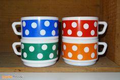Vaisselle Vintage ... Grande tasse à pois en arcopal, modèle POLKA ... sur www.mulubrok.fr ...